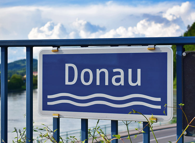 RaySea-Motorboot-Donau